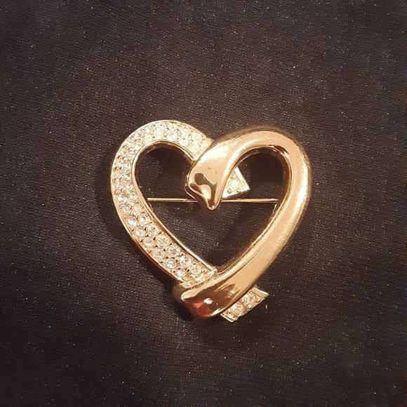 Swavorski heart goldtone brooch